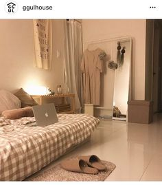 How To Create The Minimalist Dorm Room Of Your Dreams - Temy Fitria - . - How To Create The Minimalist Dorm Room Of Your Dreams – Temy Fitria – - Room Ideas Bedroom, Small Room Bedroom, Bedroom Decor, Korean Bedroom Ideas, Modern Bedroom, Beige Bedrooms, Eclectic Bedrooms, Bedroom Simple, Trendy Bedroom