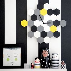 Customise a SMYCKE wall clock by taking out all the red and green hexagons! | live from IKEA FAMILY