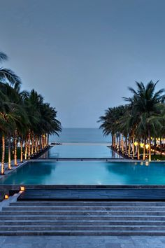 Nam Hai Resort – a world's coolest pool There are stunning pools all over the world, but some pools like Vietnam's Nam Hai Resort is one of the top 37 pools you'll want to take a dip in and cross off your bucket list says Business Insider. Ubud, Hotels And Resorts, Best Hotels, Amazing Hotels, Places To Travel, Places To Visit, Las Vegas, Hotel Swimming Pool, Safari