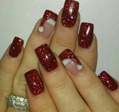 Are you looking for some cute nails desgin for this christmas but you are not sure what type of Christmas nail art to put on your nails, or how you can paint them on? These easy Christmas nail art designs will make you stand out this season. Diy Christmas Nail Art, Christmas Nail Art Designs, Holiday Nail Art, Winter Nail Art, Winter Nails, French Christmas, Winter Nail Designs, Christmas Ideas, Beautiful Christmas