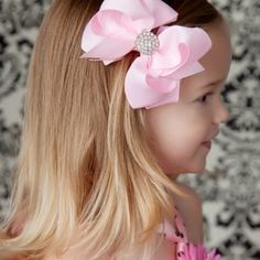 Pink Bling Little Girls Hair Bow - I got this at Dillards! Cool Hairstyles For Girls, Cute Hairstyles, Posh Hair, Hair Ribbons, Ribbon Bows, Handmade Hair Bows, Baby Hair Bows, Boutique Bows, Girls Hair Accessories