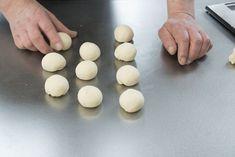 Worstenbroodjes van Robèrt van Beckhoven | Smulweb Blog Convenience Store, Eggs, Breakfast, Food, Morning Coffee, Meal, Egg, Essen, Hoods