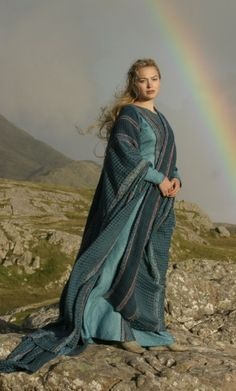 14/30 photos of Gorgeous People in Period Clothes - Sophia Myles (Tristan + Isolde)