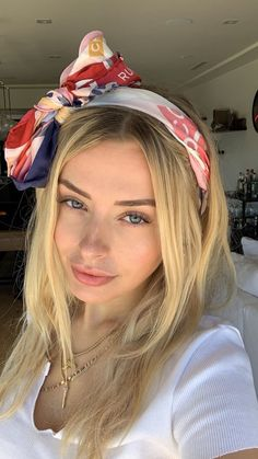 Shared by (((o(*゚▽゚*)o)))♡. Find images and videos about corinna kopf on We Heart It - the app to get lost in what you love. Hair Color Guide, Photographie Portrait Inspiration, Tumbrl Girls, Shades Of Blonde, Golden Blonde, Aesthetic Girl, Girl Pictures, Hair Goals, Pretty Woman