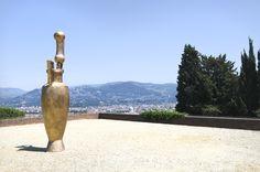 Opera in mostra al Forte Belvedere.
