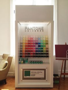 Color With Confidence: Pantone + Valspar + Lowe's - Design Crush Valspar Lowes, Valspar Paint, Nippon Paint, Pantone Universe, Showroom Ideas, Pos Display, Wallpaper Stores, Paint Color Schemes, Rainbow Connection