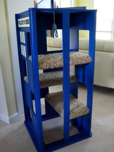 TARDIS Cat Playhouse Hey Kerstin I think this is a good idea for ur cat!