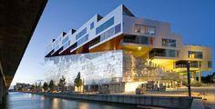 Mountain Dwellings - Copenhagen, Dinamarca / BIG with JDS Architecture Du Japon, Architecture Awards, Modern Architecture, Zaha Hadid, Design Garage, Roof Design, Big Architects, Scandinavian Architecture, Big Mountain