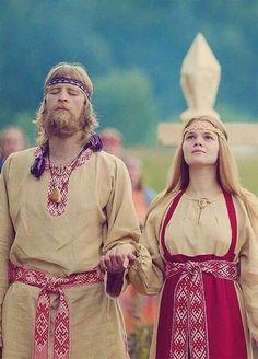 Russian style- Old national costume Folk Costume, Costumes, Renaissance, Viking Culture, Viking Dress, Viking Clothing, Russian Culture, Warrior Spirit, Russian Fashion