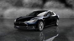 Tesla Model S. Black shinny thunder.   lessonator.com