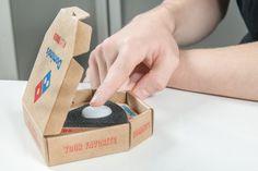 Un bouton Easy Order pour commander une pizza chez Domino's vient de voir le jour. Avec ce bouton,Domino's transporte la livraison de pizza dans le monde