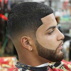 From full thick nice beards to trendy waxed moustache styles, these beard styles and facial hair looks for men will flatter your face and have you feeling stylish. Tape Up Haircut, Fade Haircut, Black Men Haircuts, Black Men Hairstyles, Men's Hairstyles, Beard Styles For Men, Hair And Beard Styles, Hair Styles 2016, Short Hair Styles