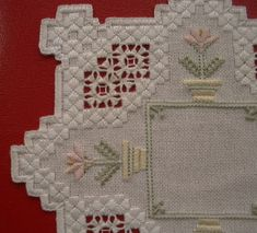Hardanger Hardanger Embroidery, Learn Embroidery, Embroidery For Beginners, Embroidery Techniques, Embroidery Patterns, Hand Embroidery, Drawn Thread, Chicken Scratch, Bargello