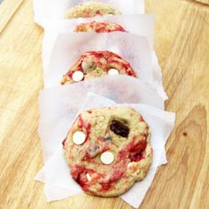 Disneyland's White Chocolate Raspberry Cookies recipe | Rumbly in my Tumbly