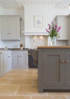 moles breath and purbeck stone - farrow and ball - sustainable Painting Kitchen Cabinets, Kitchen Paint, Home Decor Kitchen, Interior Design Kitchen, Kitchen Furniture, Kitchen Ideas, Home Design, Interior Paint, Furniture Cleaning