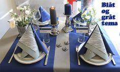 blå og grå borddækning