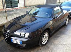 Bellissimo Alfa Romeo Spider Nero metallizzato, cerchi in lega originali Alfa, capote perfettamente integra, clima auto, volante in pelle, gomme termiche nuove.  In vendita con garanzia di 12 mesi e tagliando.  Accettiamo anche permute, possibilità di finanziamento