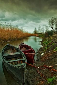 Old boats photography beauty 59 Ideas Beautiful World, Beautiful Places, Romantic Places, Amazing Places, Landscape Photography, Nature Photography, Makeup Photography, Metering Photography, Photography Accessories