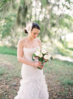 Photography: Stefanie Kapra Photography - www.stefaniekapraphoto.com  Read More: http://www.stylemepretty.com/2014/06/11/charming-plantation-wedding-inspiration-shoot/