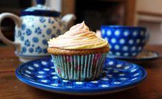 Vegan Rose and Lemon Cupcakes ~ Hef's kitchen Lemon Cupcakes, Cupcake Cakes, Rose Cupcake, Fudge Recipes, Vegan Recipes, Vegan Sweets, Vegetarian, Cooking, Kitchen