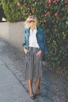 fashion, trend, moda, tendencia, stripes, listras, pattern, classica, estampa, classica, look, outfit, street style, pants, culotte, culote, calça, jeans tshirt, camisa jeans inspiração, inspiration,