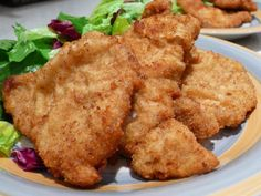Recipes for breaded pork cutlets Marinated Pork Chops, Breaded Pork Chops, Pork Cutlets, Boneless Pork Chops, Pork Chop Recipes, Meat Recipes, Salad Recipes, Cooking Recipes, Man Food