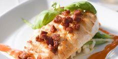 Den kraftige spanske pølsen chorizo passer godt til den milde fisken. Chorizo, Tacos, Mexican, Meat, Chicken, Ethnic Recipes, Buffalo Chicken, Cubs