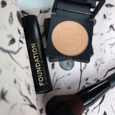 Uncover Skincare   Make-up by dr. Jetske Ultee