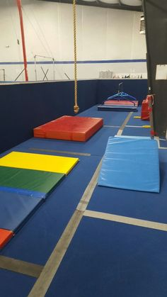 Great website with lots of preschool lesson plan ideas & stations Gymnastics Lessons, Gymnastics Academy, Preschool Gymnastics, Gymnastics Coaching, Preschool Age, Preschool Lesson Plans, Preschool Ideas, Gymnastics Things, Mini Gym