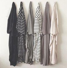 nice Off - Jersey Striped Tee Fast Fashion, Fashion Outfits, Minimalist Wardrobe, Minimalist Fashion, Minimalist Outfits, Minimalist Decor, Skinny Boots, Mode Style, Style Me