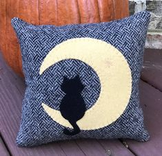 This is a kit to make a fun and simple harvest time pillow. If you are new to wool applique, this is a great beginner project. The kit includes a beautiful black tweed wool for the front, wool for the cat and moon, cotton for the back, color photo and directions. The finished pillow is 7 square. Great to add to a basket or fall display.