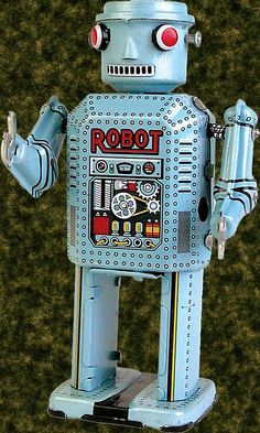 Retro Robot. Love those old tin toys.  Specially the wind ups.