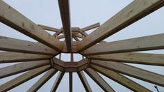 Kiosco Octogonal con tejado a 16 aguas de madera. Cúpula