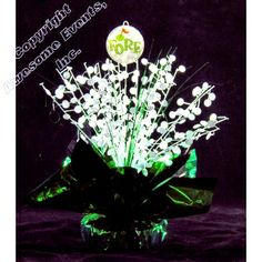 Inexpensive DIY Golf Starburst centerpiece kit makes a great table decoration for a golf theme party, fundraiser, corporate event, award banquet or bar mitzvah. Sports Centerpieces, Party Table Decorations, Candle Centerpieces, Party Themes, Golf Theme, Fundraising, Paper Flowers, Christmas Bulbs, Shapes