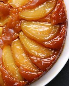 Que perfeição! | Este bolo de maçã invertido é sensacional