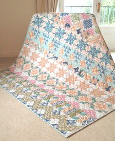 2016 Coral Anniversary BOM Quilt: The Quilt Room