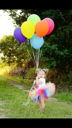 Trendy Birthday Pictures With Balloons Kids Ideas Birthday Girl Pictures, Baby Girl Pictures, First Birthday Photos, Rainbow First Birthday, Baby Girl 1st Birthday, Rainbow Baby, One Year Pictures, One Month Baby, 1st Birthday Photoshoot