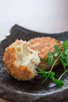 yummyinmytumbly:  Green Curry Crab Cakes