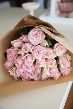 Consegna fiori Roma info@laflorealedistefania.it #freshflowers #flowerdelievery #consegnafiori #Roma #fioriroma