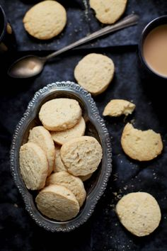 Sinfully Spicy :Jeera Biscuits Cumin Cookies) The best zeera biscuits I've tried! Biscuit Cookies, Cake Cookies, Cupcakes, Indian Snacks, Indian Food Recipes, Indian Cookies, Tea Snacks, International Recipes, Cookie Recipes