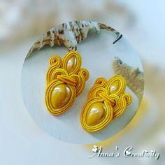 orecchini al lobo #ceramica #soutache #artigianato #handmadejewelry #fattoamanoinitalia #fattoamanoconamore #fattoconlemiemanine #jewelry #jewellery #fashonjewelry #fotografia #followforfollow #follow4follow #joielli #instagram #instajewels #instagood