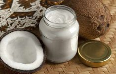 Oil pulling has been proven to improve your dental health & help remove plaque. What is oil pulling? Swish extra virgin coconut oil around your mouth. Read more about oil pulling at Australian Natural Health. Coconut Oil For Teeth, Coconut Oil Uses, Coconut Water, Superfoods, Coconut Oil Coffee, Salud Natural, Coconut Health Benefits, Oil Pulling, Coffee Benefits