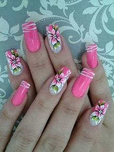 Flowers Nail Art New Idea for Spring - Reny styles Light Pink Nail Designs, Flower Nail Designs, Flower Nail Art, Cool Nail Designs, Acrylic Nail Designs, Floral Designs, Nail Art Diy, Diy Nails, Cute Nails