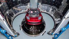 Elon Musk mostra fotos do Tesla Roadster que será lançado para o espaço
