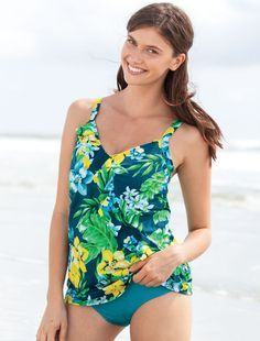Beach day essentials include mix and match tankini styles.  Plus Size Fashion from Woman Within.  #WWIdealSummer