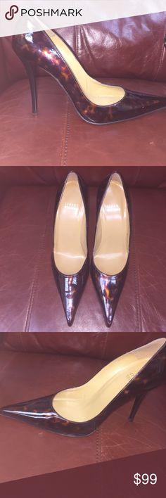 Shop Women's Stuart Weitzman size 8 Heels at a discounted price at Poshmark. Brown Leopard, Fashion Tips, Fashion Design, Fashion Trends, Stuart Weitzman, Kitten Heels, Shoes Heels, Toe, Classic
