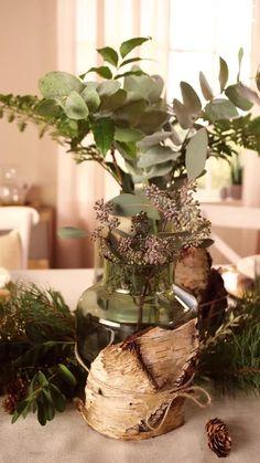 Süßer, äh Verzeihung grüner die Glocken nie klingen und während sich einige Weihnachtsmuffel noch vor dem Fest der Liebe sträuben, zeigen wir euch im dritten Teil aus unserer Serie festliche Tischdeko, mit welchen Tipps und Tricks man selbst mit jeder Menge natürlichen Elementen für einen großen weihnachtlichen Wow-Effekt an einer gedeckten Tafel sorgen kann. Lady Diana, Diy Bedroom Decor, Table Settings, Design Ideas, Events, Make It Yourself, Decorating, Bride, Interior Design