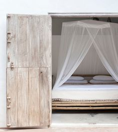 5 Favorites: Summery Mosquito Nets : Remodelista