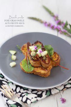 Brioche perdue, foie gras poêlé aux fruits secs et chutney d'abricots