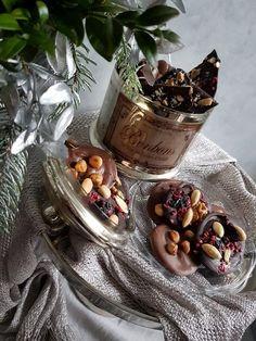 Desať luxusných zákuskov a koláčov - Žena SME No Bake Desserts, Acai Bowl, Deserts, Cheese, Candy, Cookies, Baking, Breakfast, Sweet